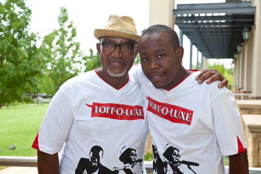 """Sipho """"Hotstix"""" Mabuse, Khaya Mthethwa"""